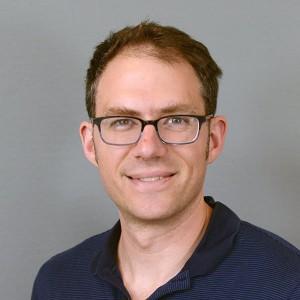 Daniel Olson Headshot